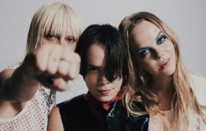 Dream Wife announce 'DW Megamix' featuring Shirley Manson, Sleigh Bells, Nova Twins and more