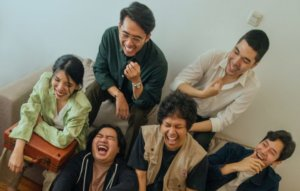 Lomba Sihir share expanded edition of 'Selamat Datang di Ujung Dunia' album on Apple Music
