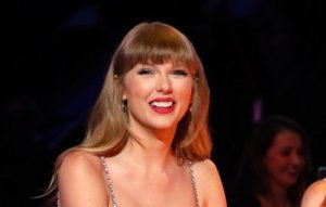 Taylor Swift posts new 'from the vault' teaser for 'Red (Taylor's Version)'