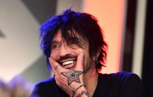 """Tommy Lee says he's """"cool"""" with 'Pam and Tommy' sex tape miniseries"""