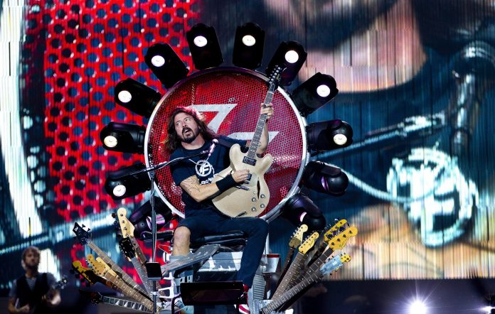 Dave Grohl Foo Fighters throne
